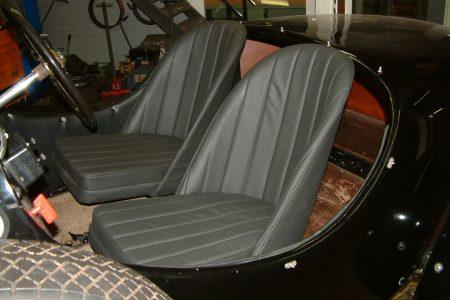 Step 17.3 Foto2003_0829AB stoelen in de auto
