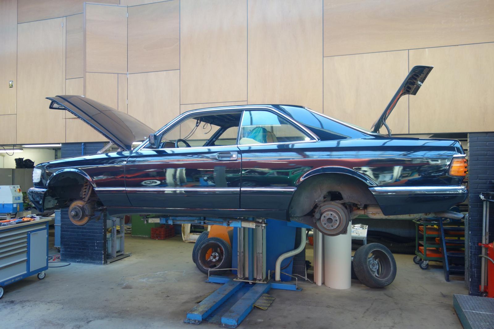 mercedes benz 500 sec oldtimer restoration company bart holland mercedes benz 500 sec oldtimer